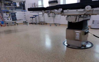 Indvielse af operationsstuen – med hospitalsgulve fra Areo