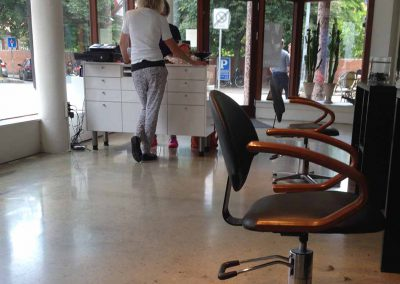Gulve til kreativ frisørsalon