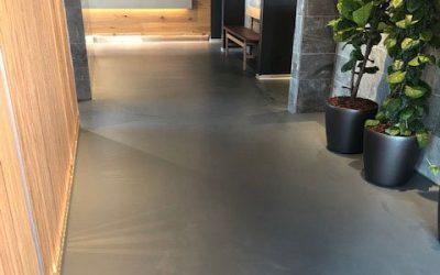 Hvor lang tid holder epoxy fugefri gulve?