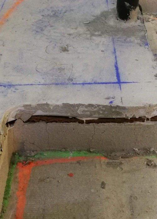 Gulvvarmeplader - en varme - og trinlydsdæmpende polystyren-baseret højresistent skumplade